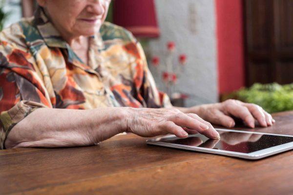 Formación continua cuidados envejecimiento